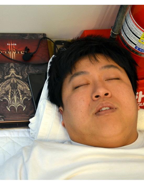 켠김에 왕까지 '디아블로3' 도전, 지옥문 열다!
